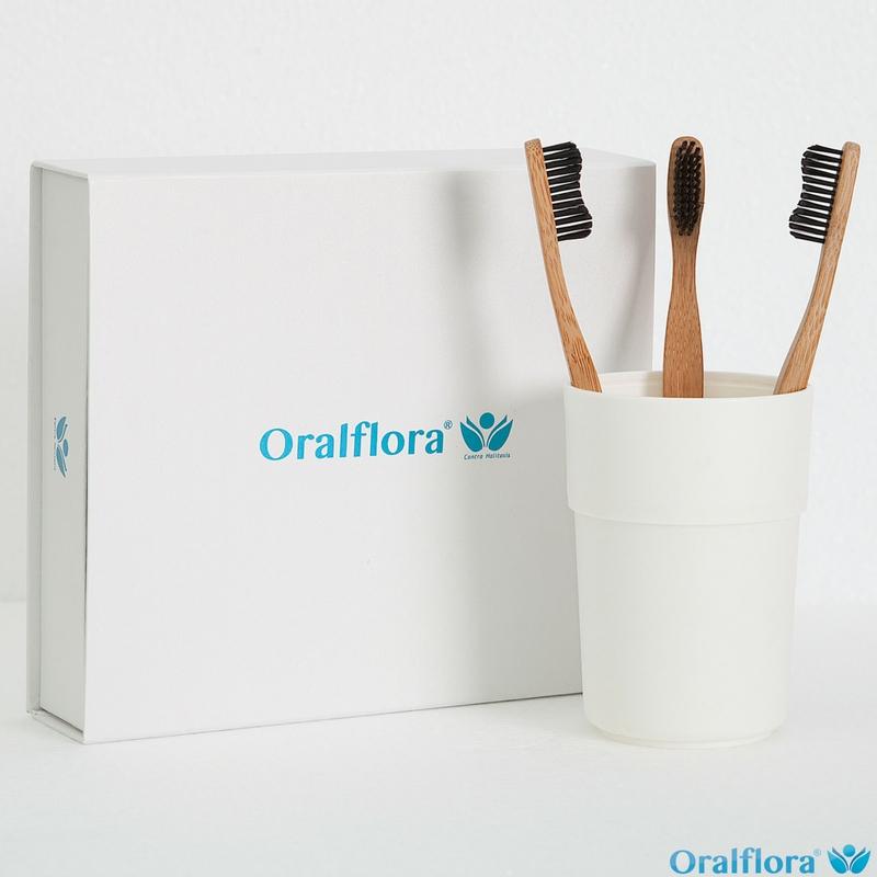 Oralflora® Bambuszahnbürste mit schwarzen Borsten (vegan) – Weiche Borsten
